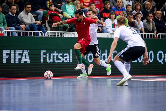 Hinh 1 Giay Da Banh Futsal