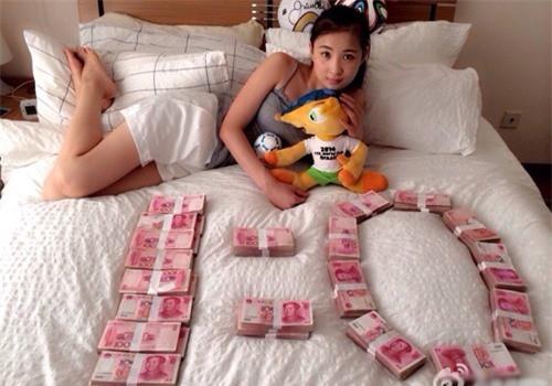 Mơ thấy tiền là điềm báo gì? Số nào may mắn khi mơ thấy tiền